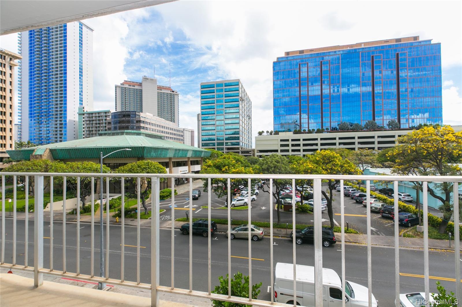 Coty Tower condo # 403, Honolulu, Hawaii - photo 3 of 21