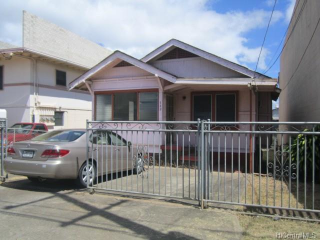 742  Bannister St Kapalama, Honolulu home - photo 0 of 10