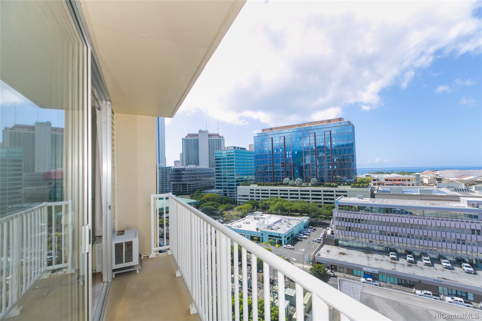 Holiday Village condo # 1410, Honolulu, Hawaii - photo 6 of 22