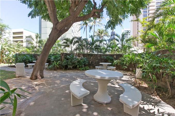 Holiday Village condo # 407, Honolulu, Hawaii - photo 7 of 9