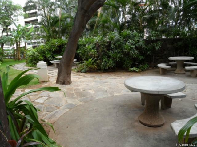 Holiday Village condo # 409, Honolulu, Hawaii - photo 4 of 10