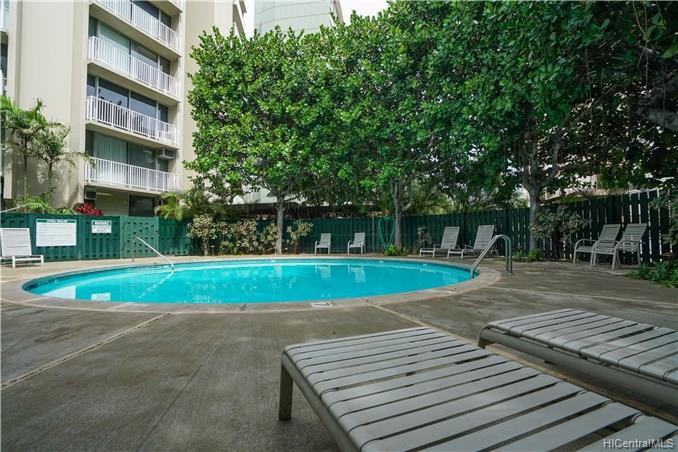 Holiday Village condo # 905, Honolulu, Hawaii - photo 15 of 23