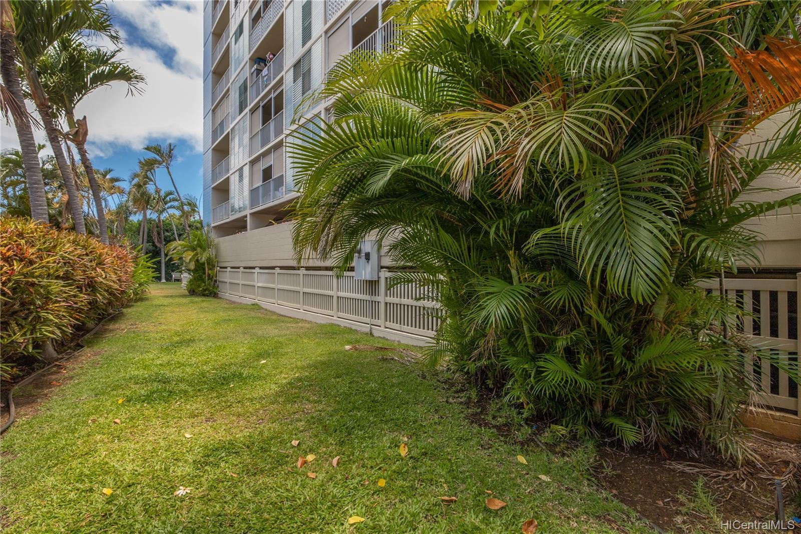 Sun Hala condo # 808, Honolulu, Hawaii - photo 16 of 19