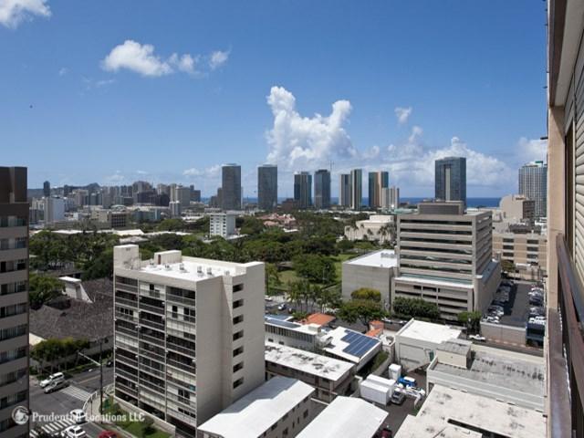 Kinau Lanais condo #1405, Honolulu, Hawaii - photo 1 of 10