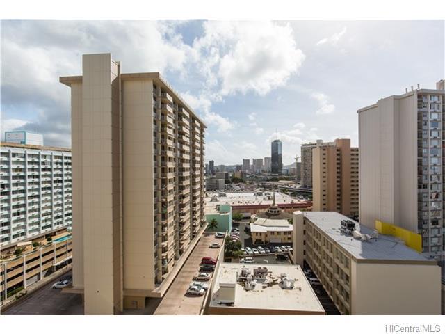 Woodrose condo # 1406, Honolulu, Hawaii - photo 8 of 13
