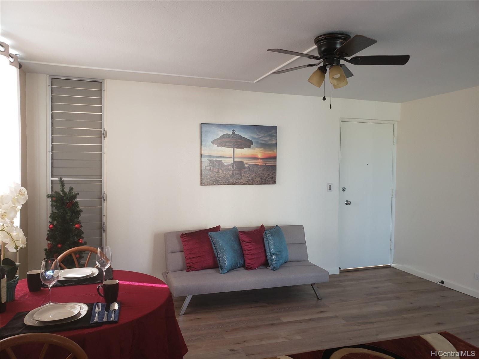 Pacific Manor condo # 203, Honolulu, Hawaii - photo 2 of 12