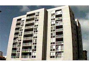 Pacific Manor condo #303, Honolulu, Hawaii - photo 1 of 1