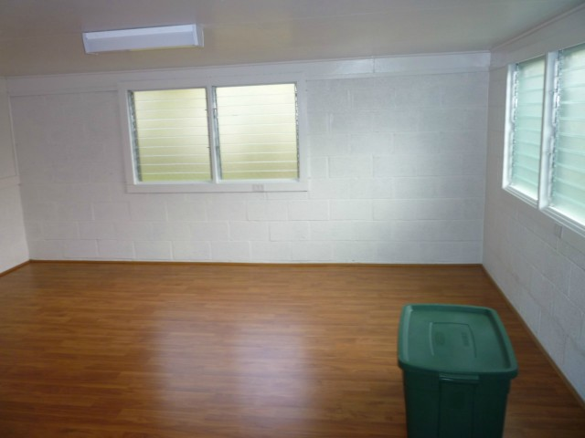 79  Makaweo Ave Wahiawa Area, Central home - photo 3 of 10