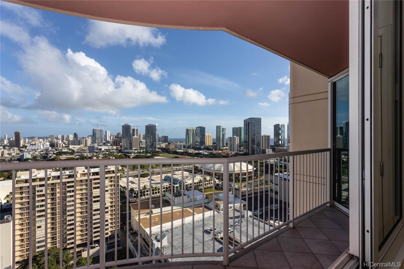 One Archer Lane condo # 2701, Honolulu, Hawaii - photo 12 of 24