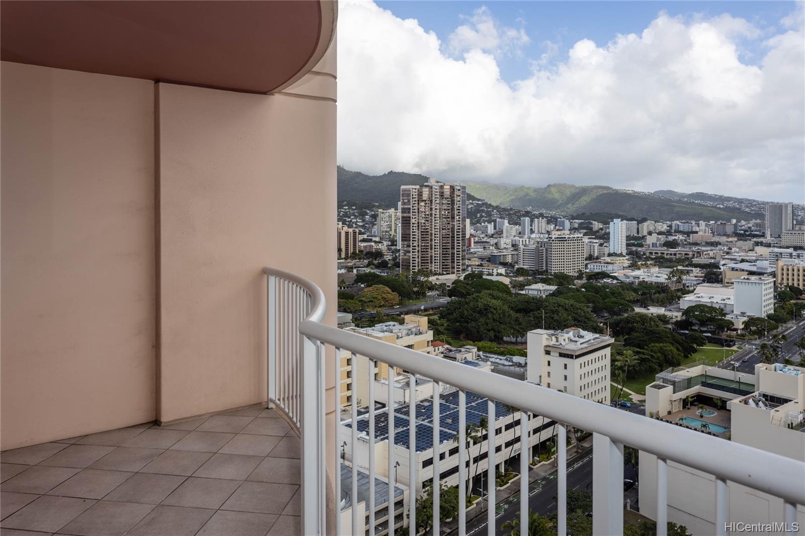 One Archer Lane condo # 2701, Honolulu, Hawaii - photo 13 of 24