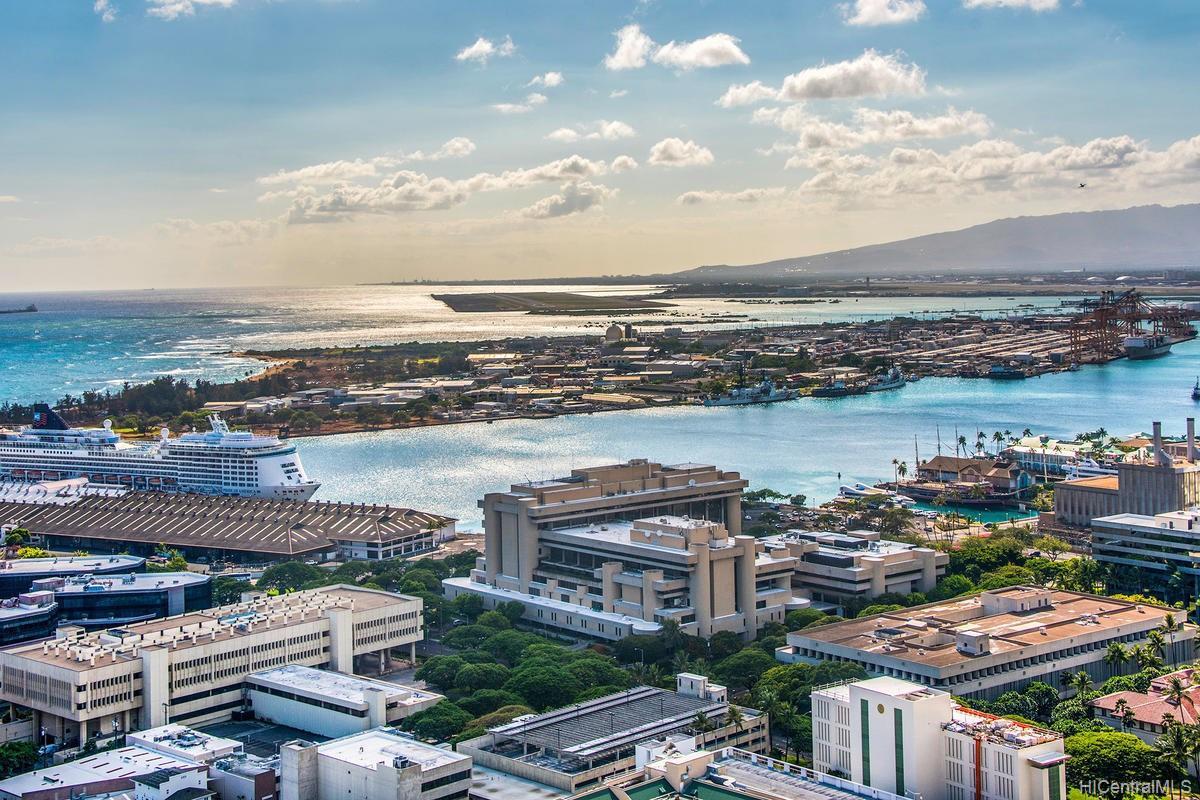 801 South St condo # 4404, Honolulu, Hawaii - photo 13 of 21