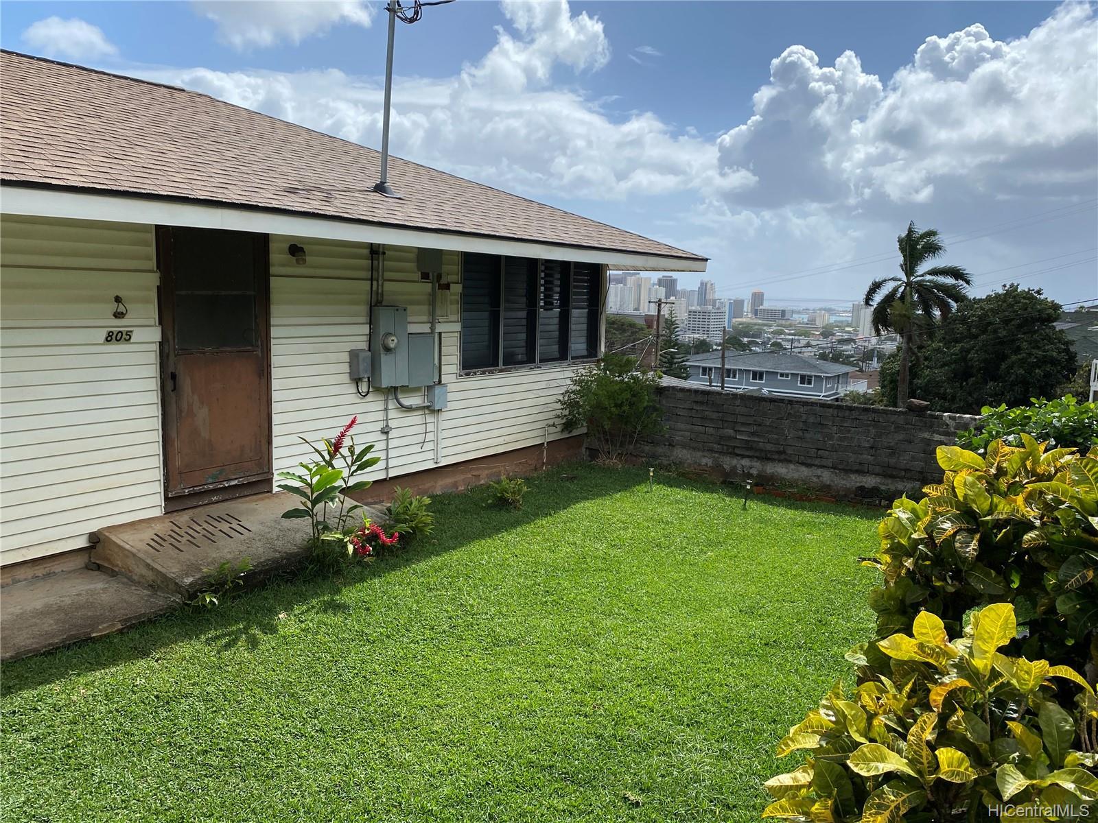 805  Alewa Drive Puunui, Honolulu home - photo 2 of 8