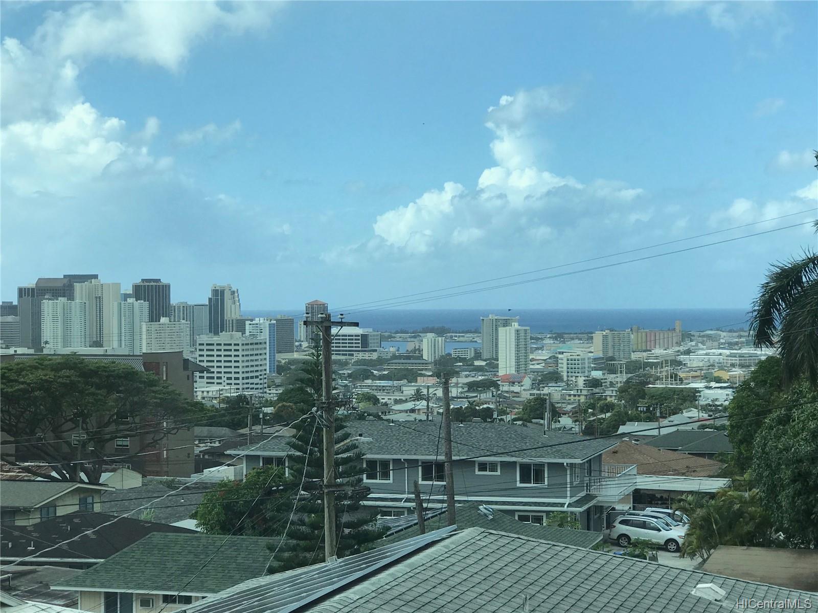 805  Alewa Drive Puunui, Honolulu home - photo 4 of 8