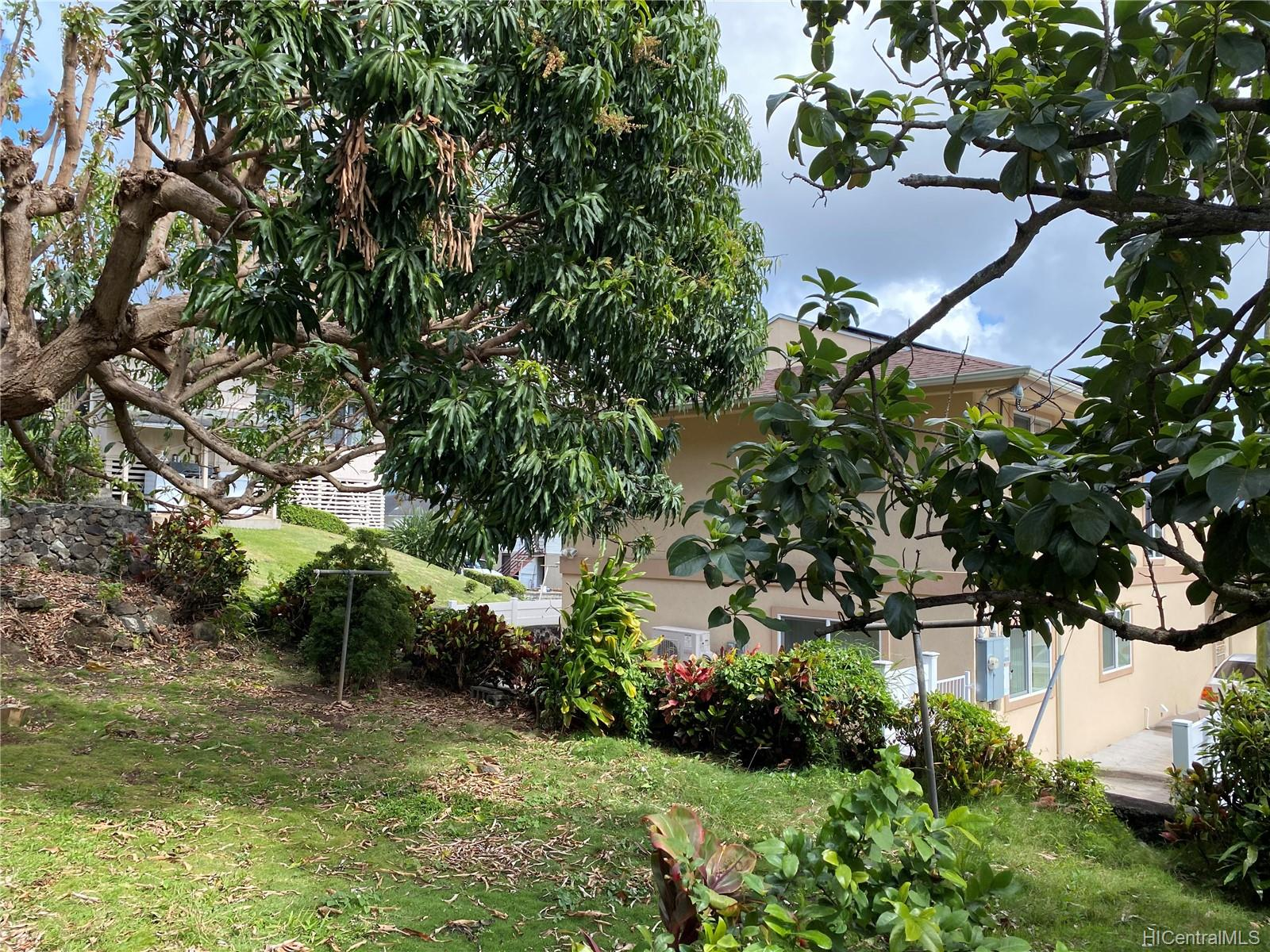 805  Alewa Drive Puunui, Honolulu home - photo 7 of 8