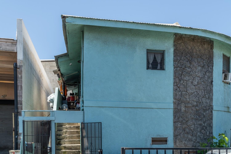 805 Bannister Street Honolulu - Multi-family - photo 2 of 7