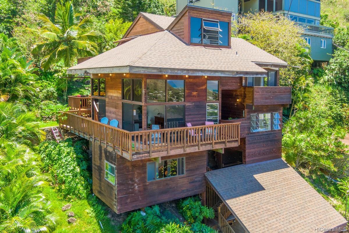 811  Ekoa Place Aina Haina Area, Diamond Head home - photo 1 of 25