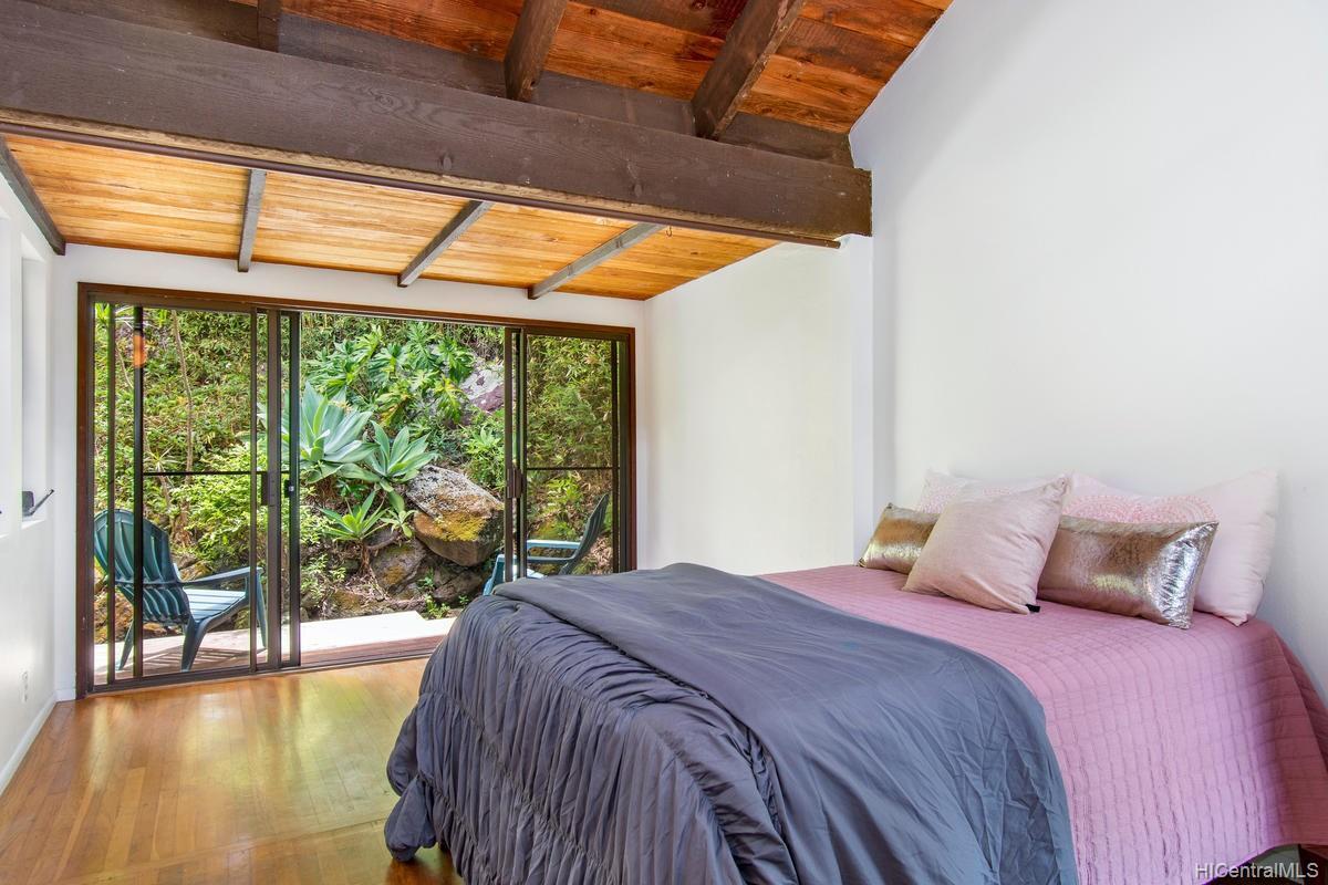 811  Ekoa Place Aina Haina Area, Diamond Head home - photo 17 of 25
