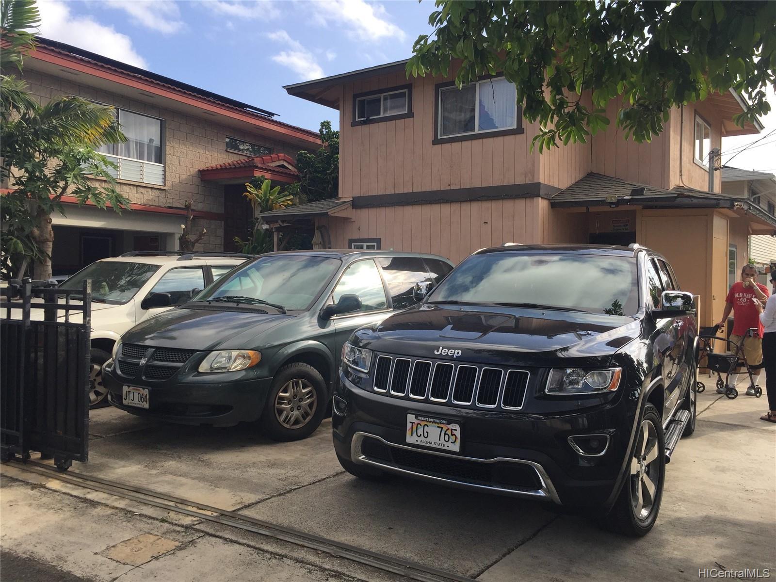 815  Lopez Lane Kapalama, Honolulu home - photo 0 of 10