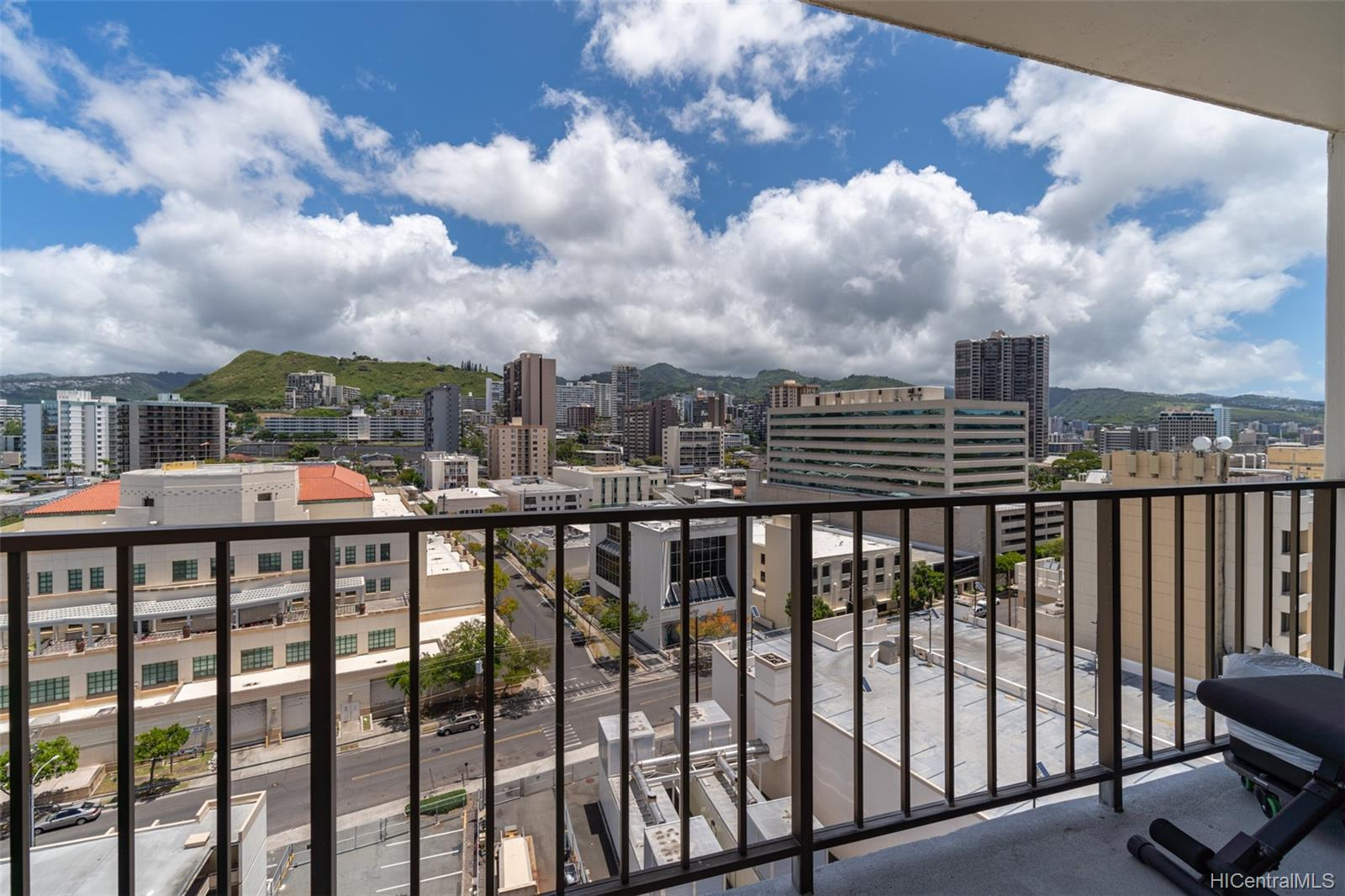 King Manor condo # 1402, Honolulu, Hawaii - photo 10 of 18