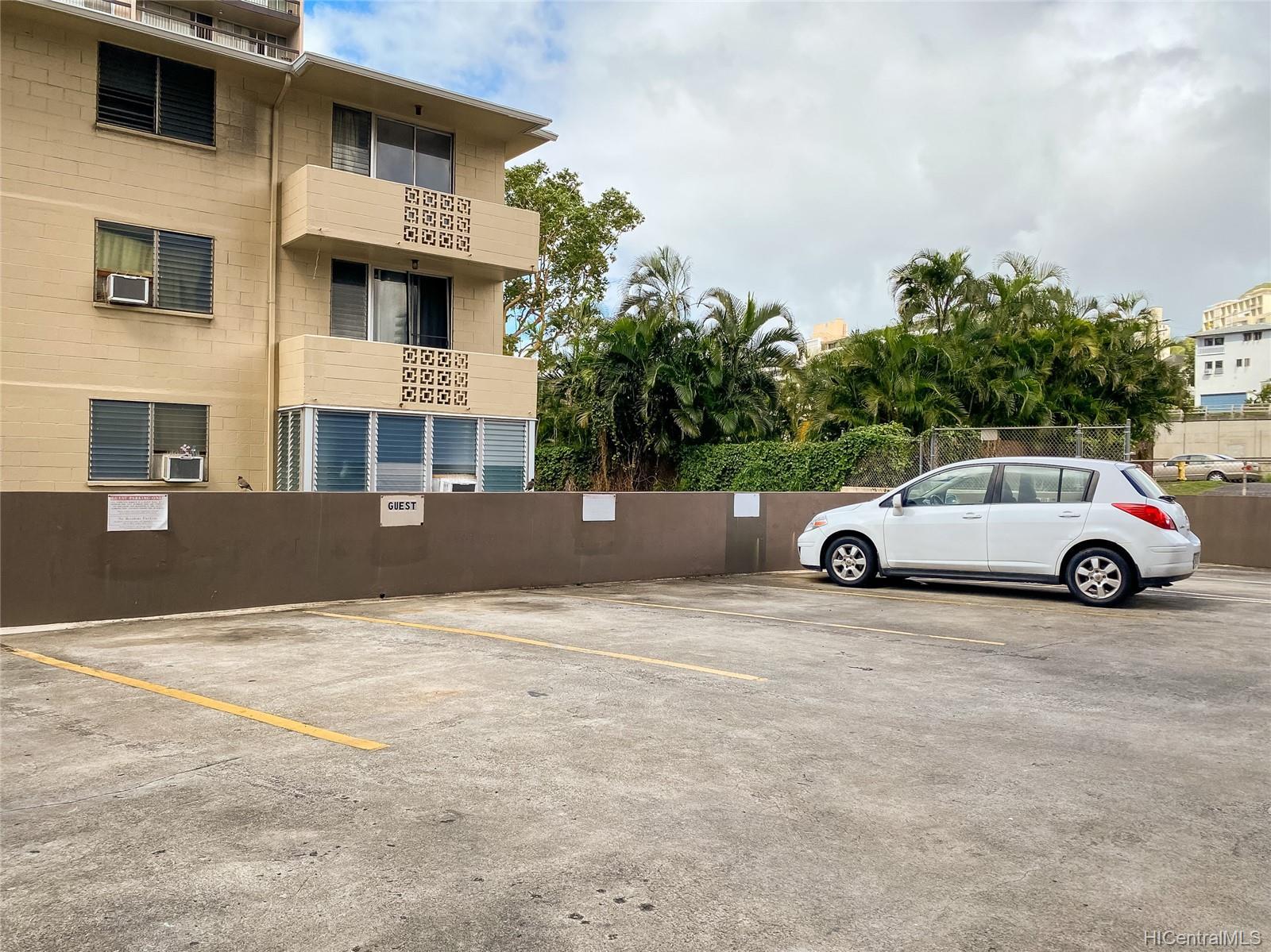 Ward Kinau condo # 1006, Honolulu, Hawaii - photo 8 of 13