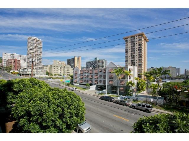 Ward Kinau condo #203, Honolulu, Hawaii - photo 1 of 21