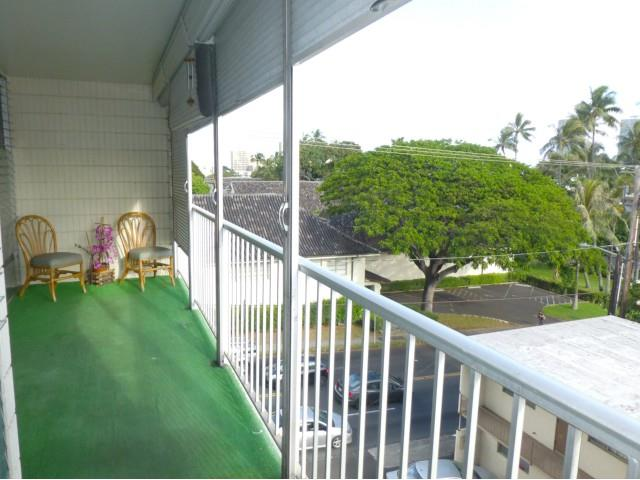 Kinau Villa condo #D302, Honolulu, Hawaii - photo 1 of 18