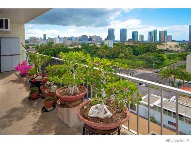 Kinau Villa condo #D/804, Honolulu, Hawaii - photo 1 of 10
