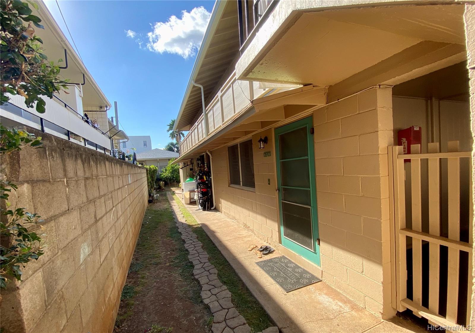834 Pumehana Street Honolulu - Multi-family - photo 2 of 8