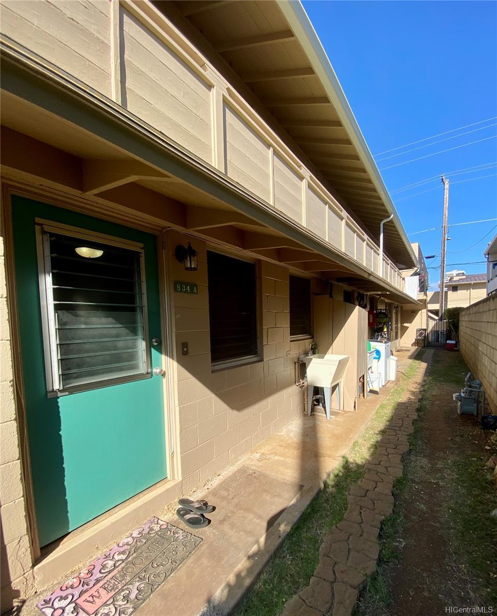 834 Pumehana Street Honolulu - Multi-family - photo 4 of 8