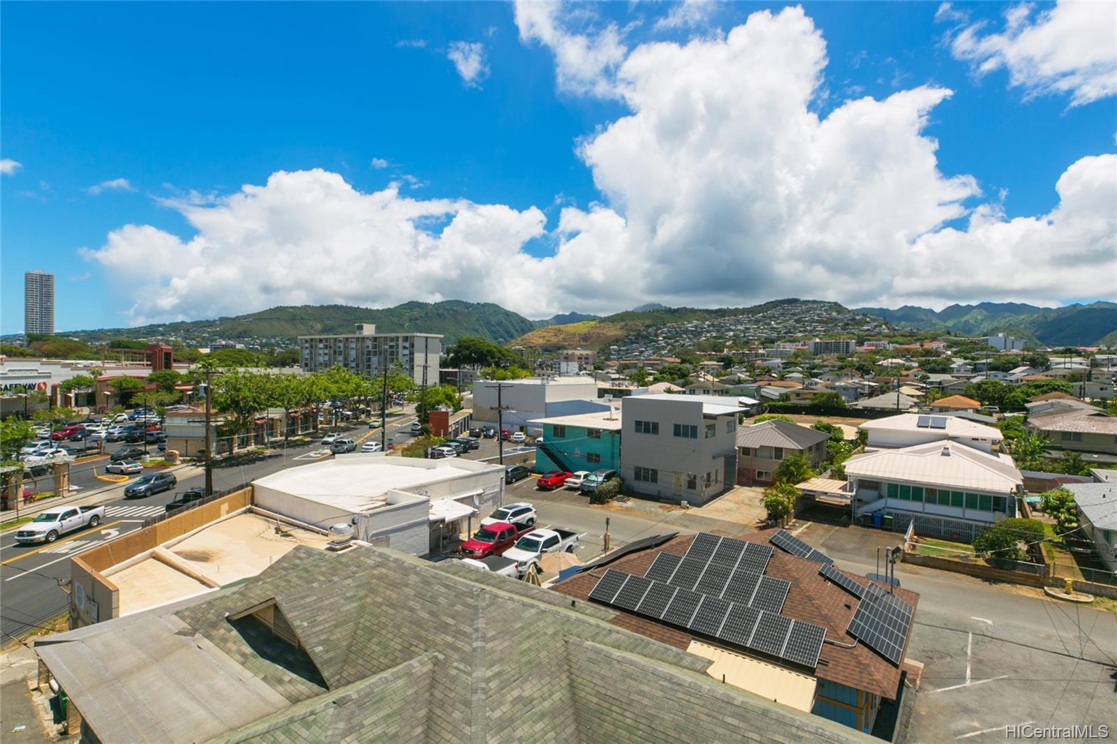 Kapahulu Vista Apts condo # 503, Honolulu, Hawaii - photo 21 of 25