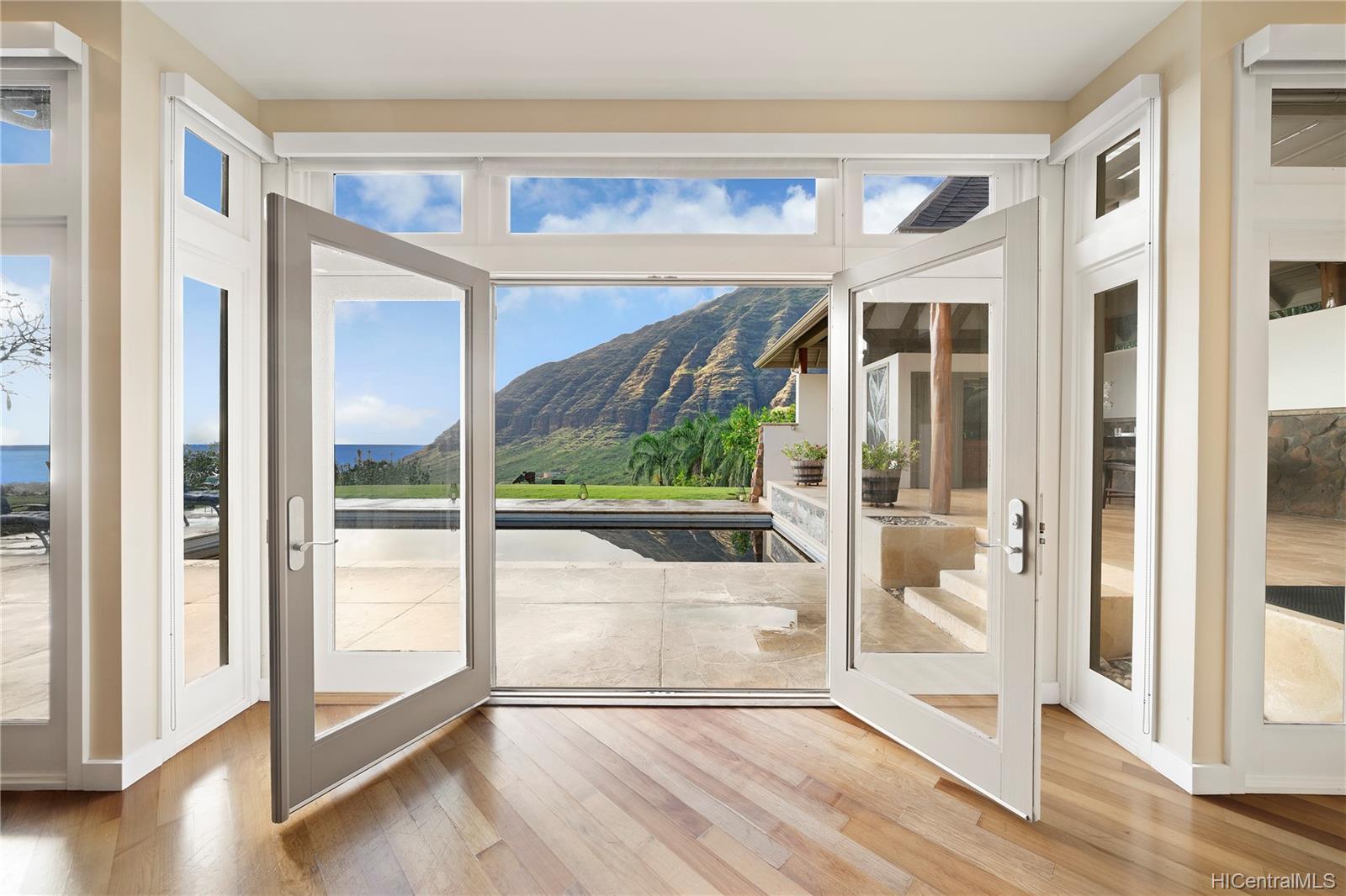 84-1300  Maunaolu Street Makaha, Leeward home - photo 6 of 21