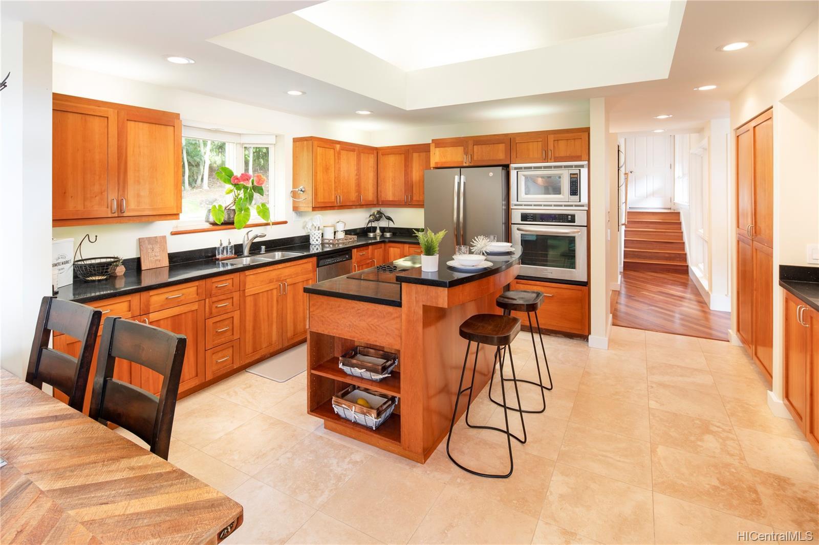84-1300  Maunaolu Street Makaha, Leeward home - photo 8 of 21