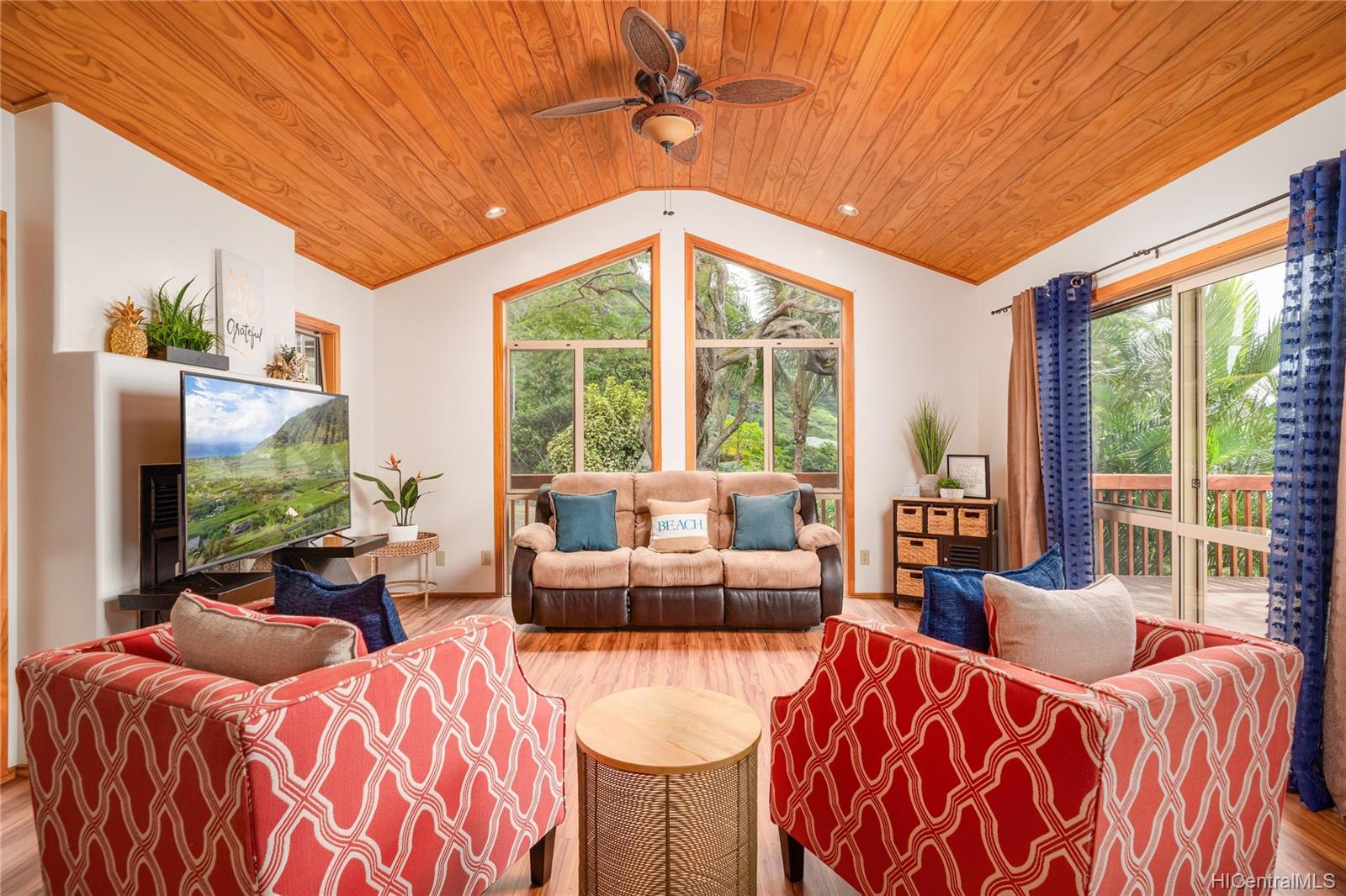 84-1459  Maunaolu Street Makaha, Leeward home - photo 1 of 21