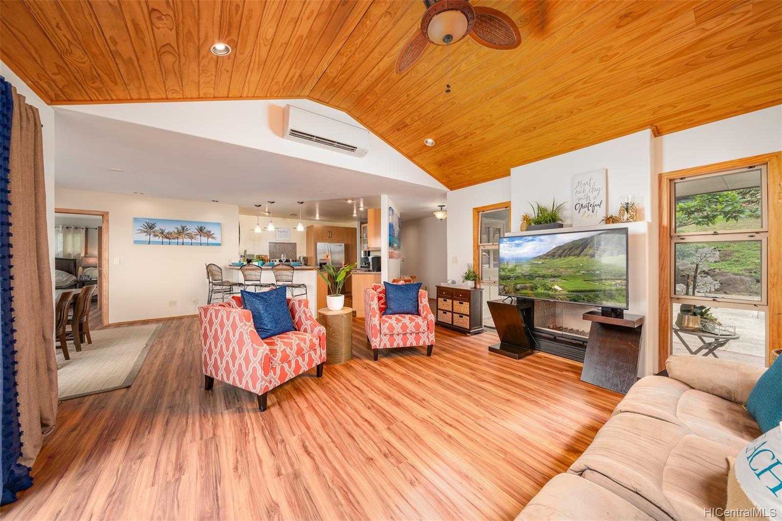 84-1459  Maunaolu Street Makaha, Leeward home - photo 3 of 21
