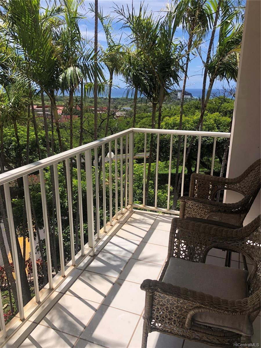 Makaha Valley Towers condo # 201, Waianae, Hawaii - photo 5 of 15