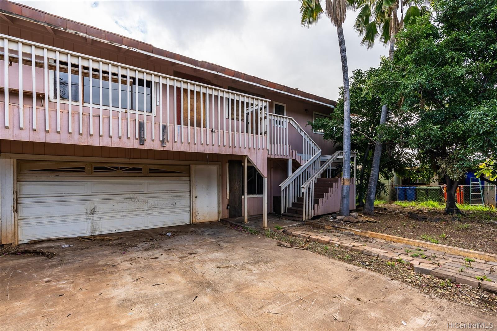 84-718  Fricke Street Makaha, Leeward home - photo 1 of 11