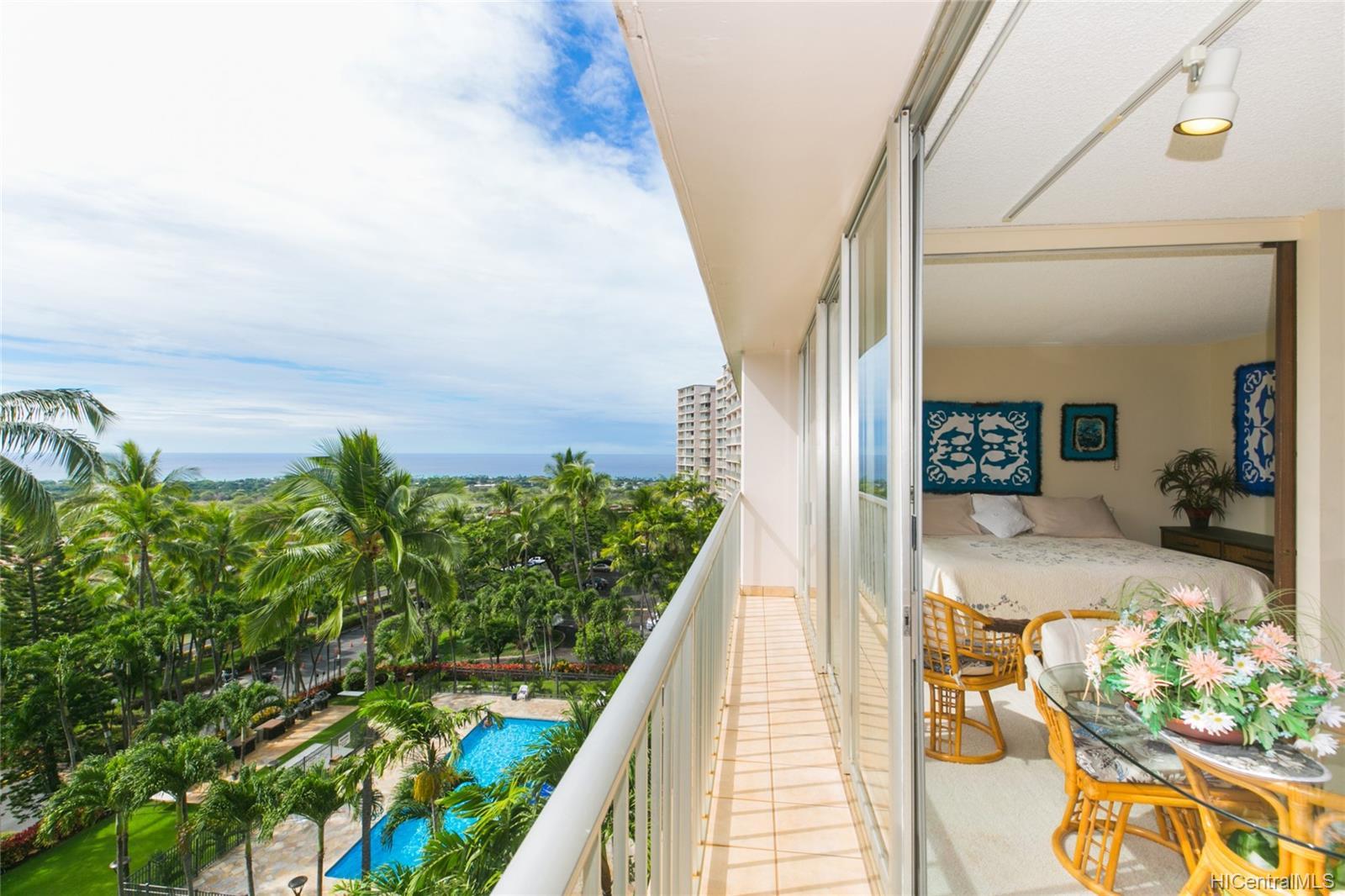 Makaha Valley Towers condo # 423, Waianae, Hawaii - photo 1 of 25