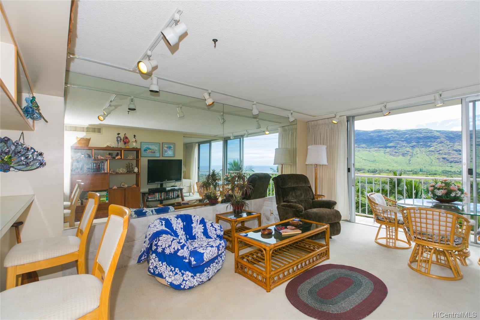 Makaha Valley Towers condo # 423, Waianae, Hawaii - photo 7 of 25