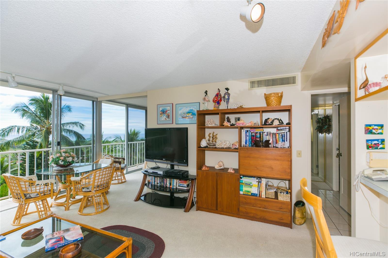 Makaha Valley Towers condo # 423, Waianae, Hawaii - photo 9 of 25