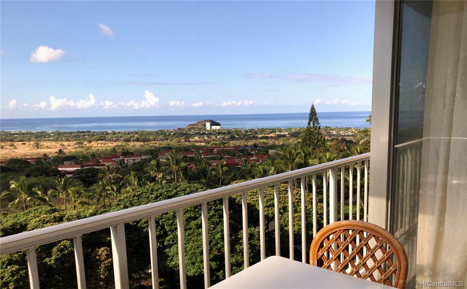 Makaha Valley Towers condo # H/632, Waianae, Hawaii - photo 1 of 15