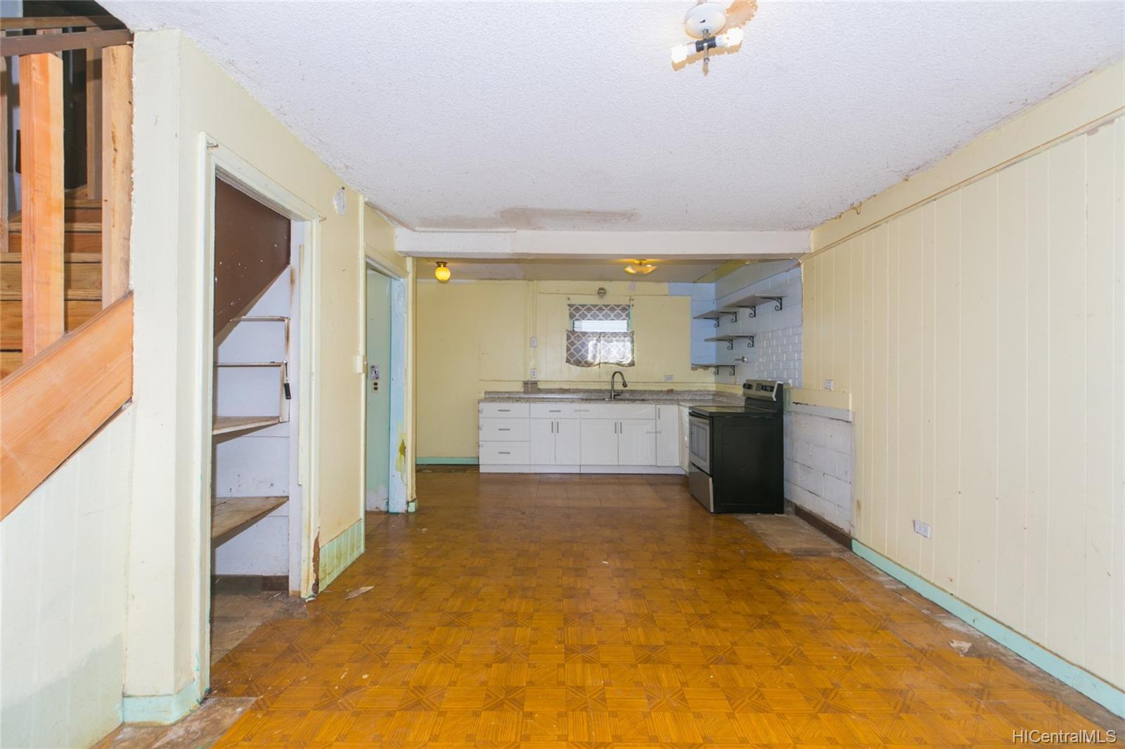 84-949  Hana Street Makaha, Leeward home - photo 11 of 25
