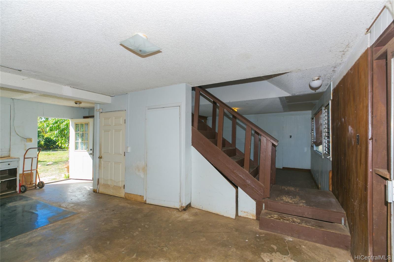 84-949  Hana Street Makaha, Leeward home - photo 15 of 25