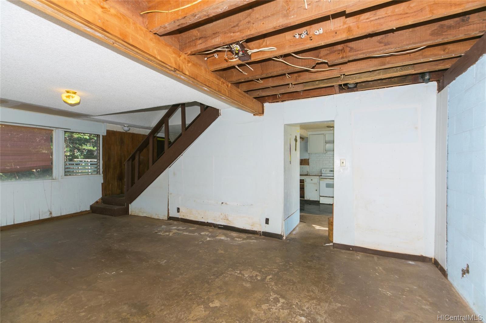 84-949  Hana Street Makaha, Leeward home - photo 18 of 25