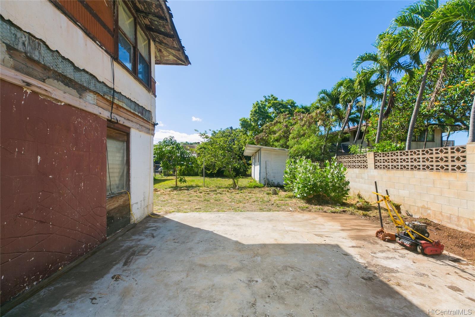 84-949  Hana Street Makaha, Leeward home - photo 3 of 25