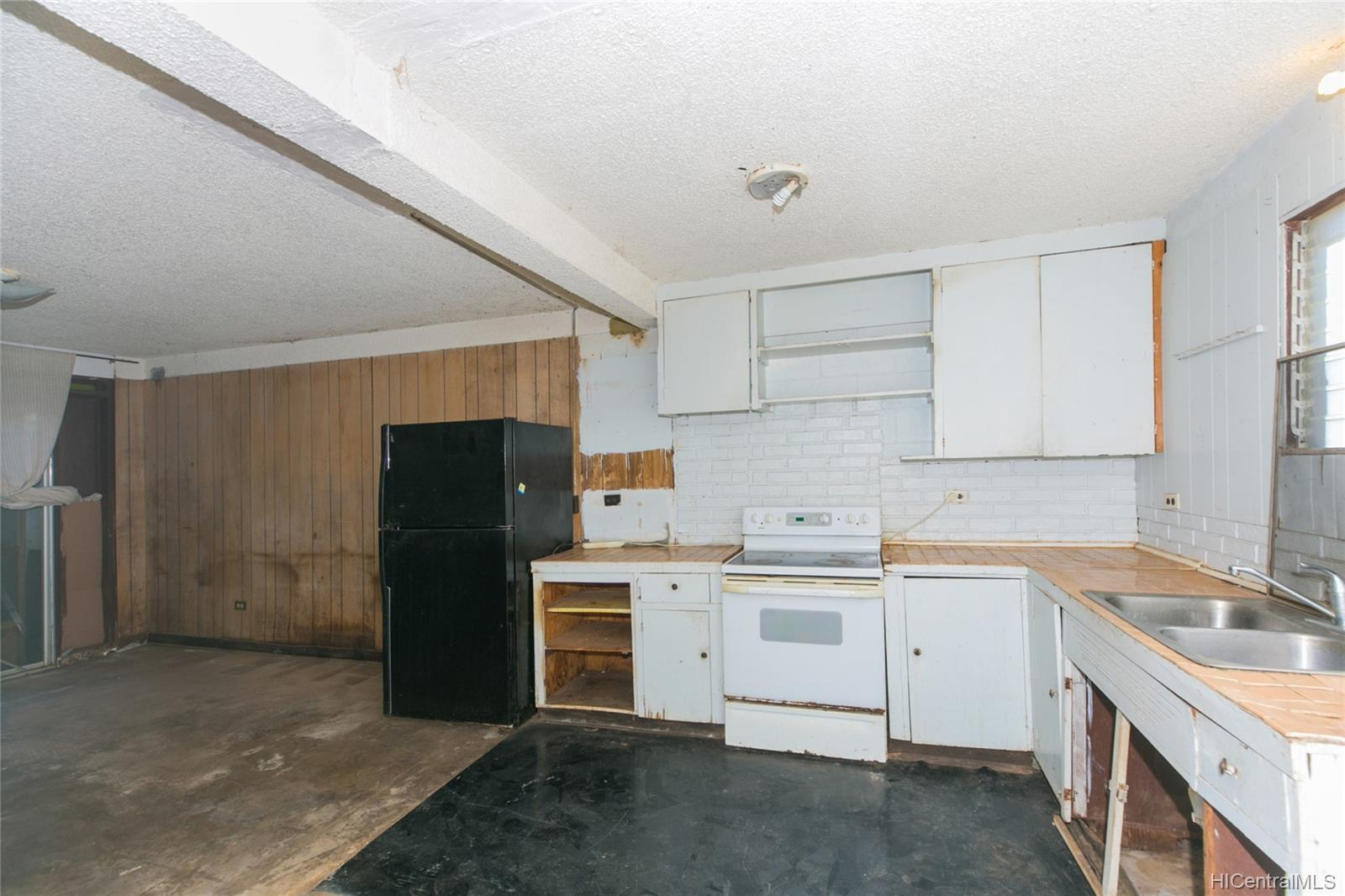 84-949  Hana Street Makaha, Leeward home - photo 24 of 25