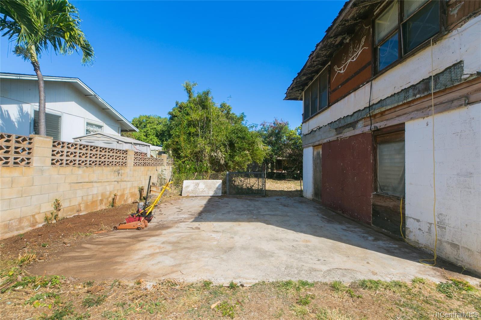 84-949  Hana Street Makaha, Leeward home - photo 4 of 25