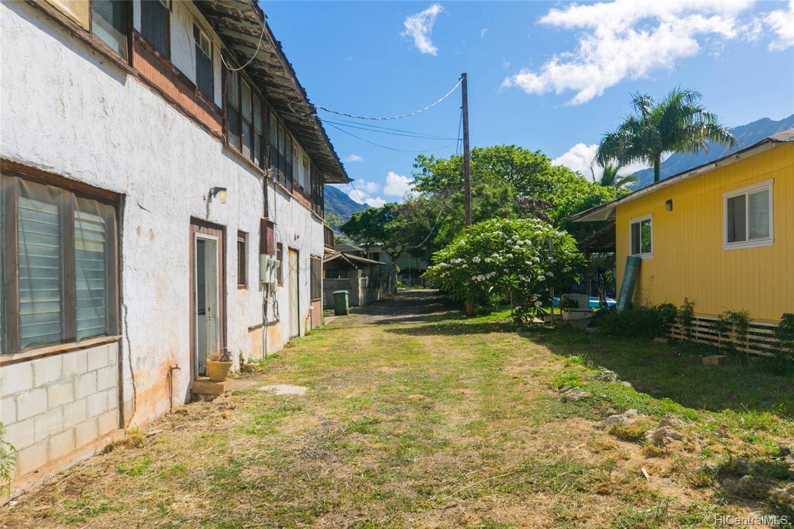 84-949  Hana Street Makaha, Leeward home - photo 6 of 25