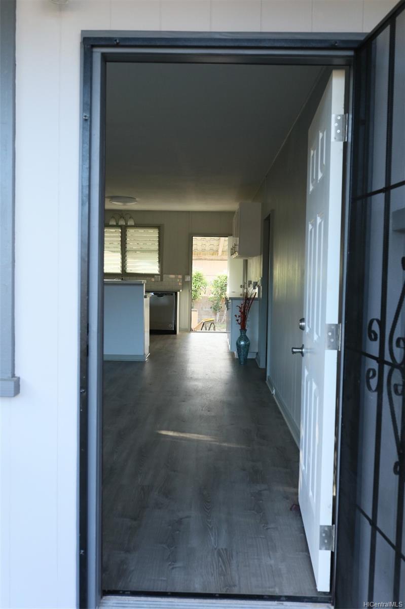 87-147  Palakamana Street Maili, Leeward home - photo 2 of 22