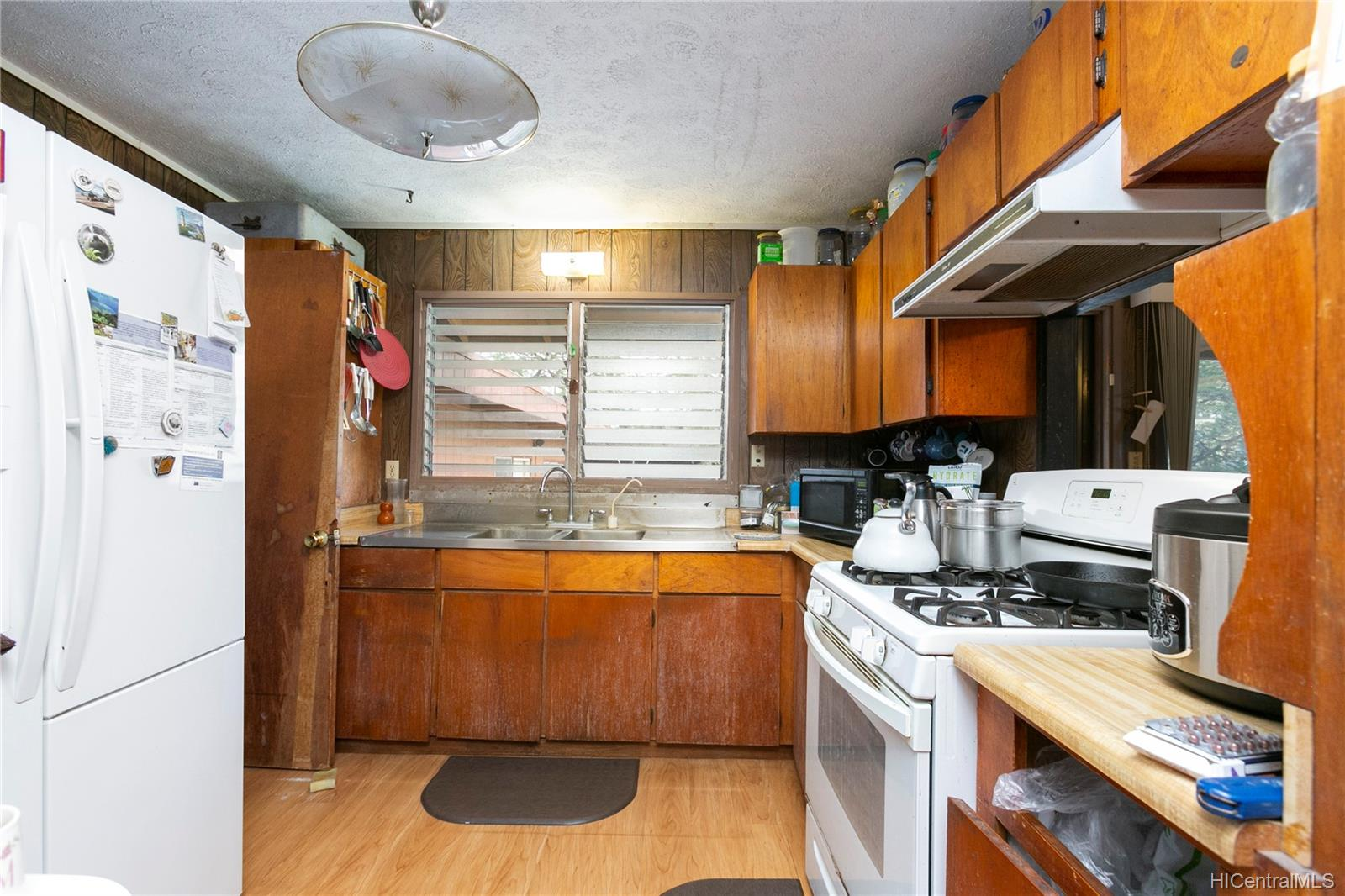 87-560  Hakimo Road Maili, Leeward home - photo 6 of 24