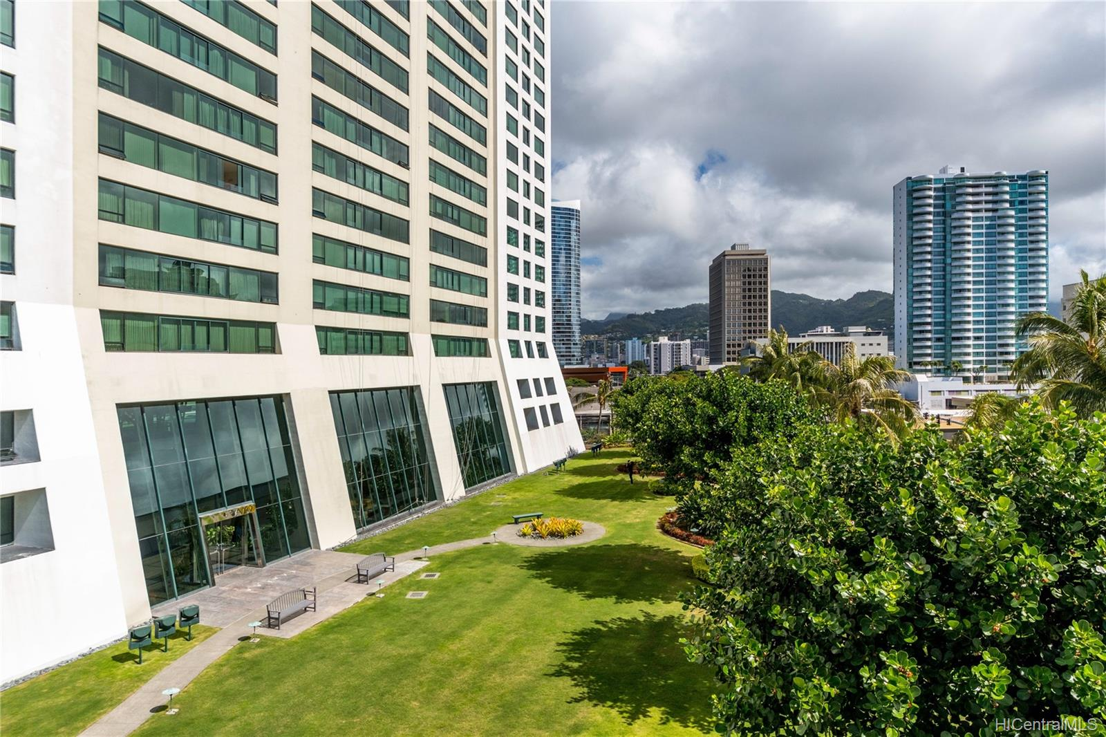 Hawaiki Tower condo # 1005, Honolulu, Hawaii - photo 22 of 25
